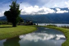 Danau Bratan and Danau Buyan