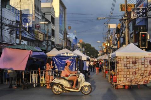Chiang Rai walking street markets
