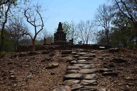 The approach to Wat Khao Phra Bat Noi. Photo taken in or around Sukhothai in a day, Sukhothai, Thailand by David Luekens.