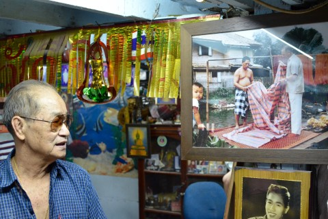 Meanwhile, across the canal Khun Loong Aood reminisces.  Photo taken in or around Jim Thompson's House, Bangkok, Thailand by David Luekens.