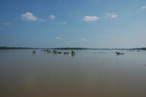 Wave to Cambodia. Photo taken in or around Historic Sights, Don Khon, Laos by Stuart McDonald.