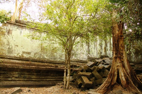 How to avoid the crowds at Angkor