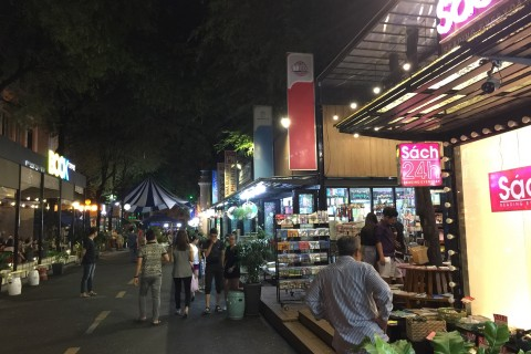 Take an evening browse down Book Street. Photo taken in or around Shopping in Saigon, Ho Chi Minh City, Vietnam by Cindy Fan.