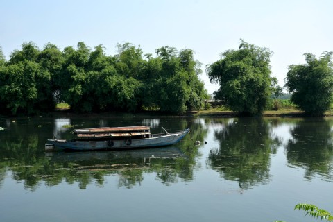 An inland waterway on Cam Kim Island. Photo taken in or around Cam Kim and other islands, Hoi An, Vietnam by Cindy Fan.
