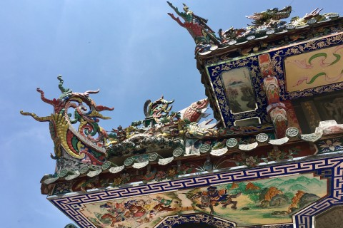 Do give the roof the attention it deserves. Photo taken in or around Hainanese Temple (Thean Hou Kong) , Penang, Malaysia by Sally Arnold.
