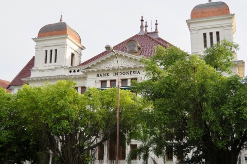 The colonial-era Bank Indonesia building. Photo taken in or around Jalan Malioboro, Yogyakarta, Indonesia by Sally Arnold.