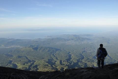 How to prepare for climbing Gunung Agung