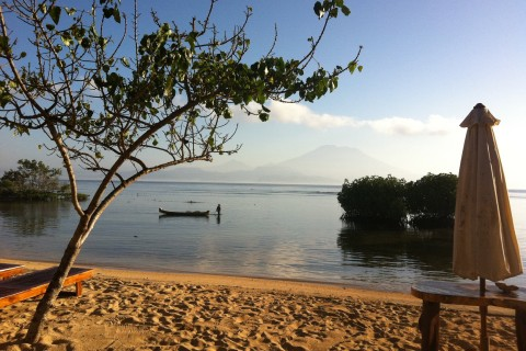 Sleepy morning light at Mangrove Beach. Photo taken in or around The beaches of Nusa Lembongan , Nusa Lembongan, Indonesia by Stuart McDonald.