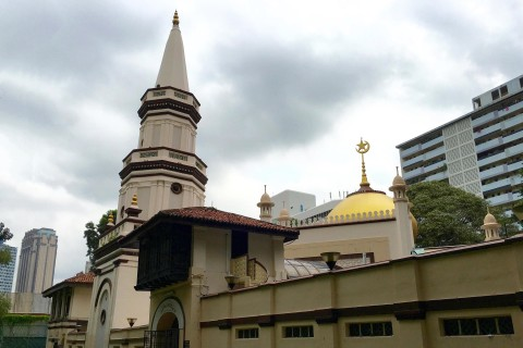 Hajjah Fatimah Mosque Photo taken in or around Hajjah Fatimah Mosque, Downtown Singapore, Singapore by Sally Arnold.