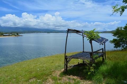 Beaches and islands around Sape