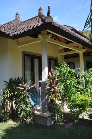 Alung Shop and Bungalow